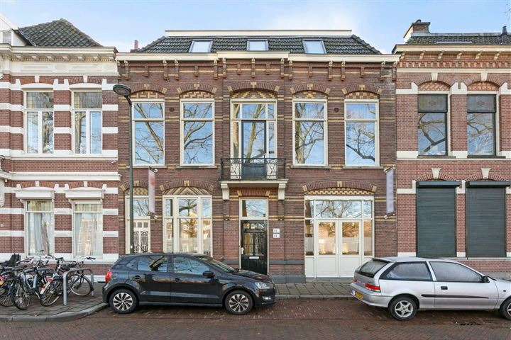 Mauritssingel 11, Breda