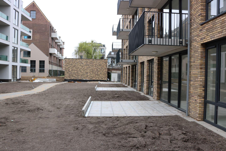 View photo 1 of Van Oldenbarneveldtstraat 24 4