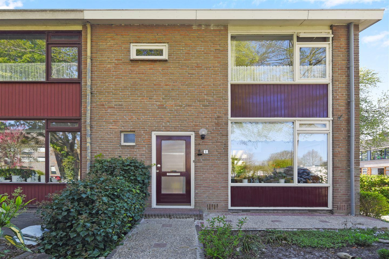Bekijk foto 2 van J.H. Egenbergerstraat 1