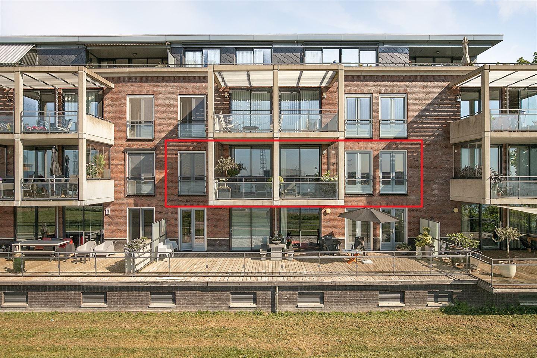 Bekijk foto 1 van Voorstraat 21 b