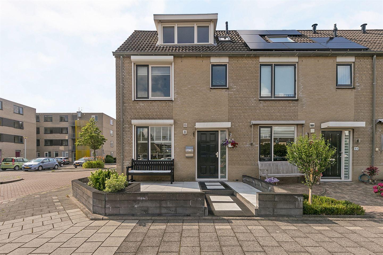 View photo 1 of Verdistraat 82