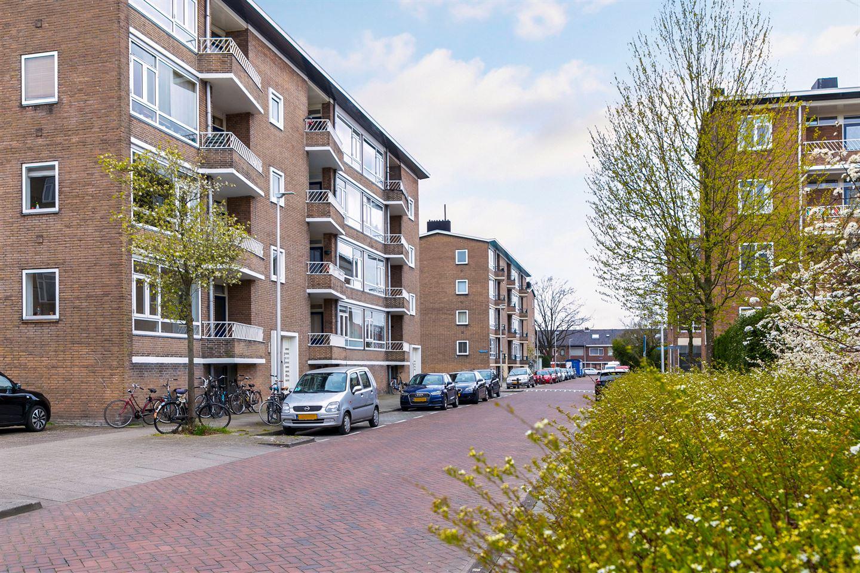 Bekijk foto 3 van Huis ten Boschlaan 9 2