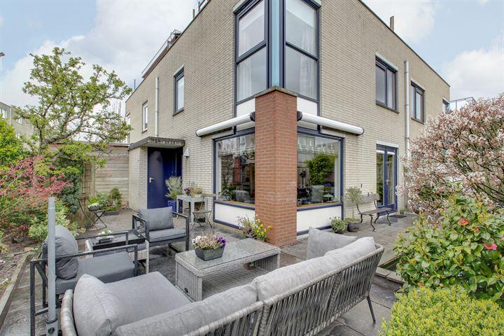 L.J.M. Beelstraat 6