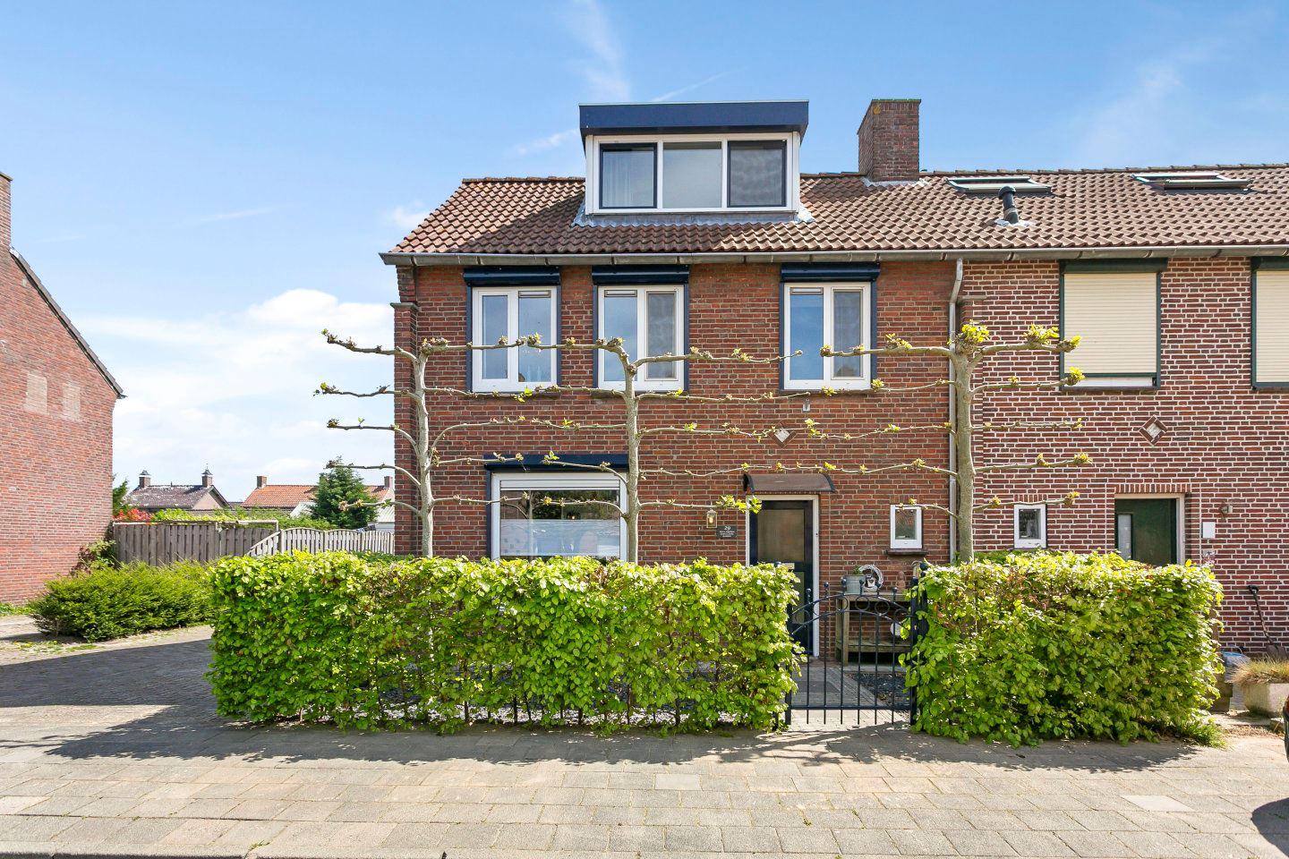 View photo 3 of Philips Willemstraat 29