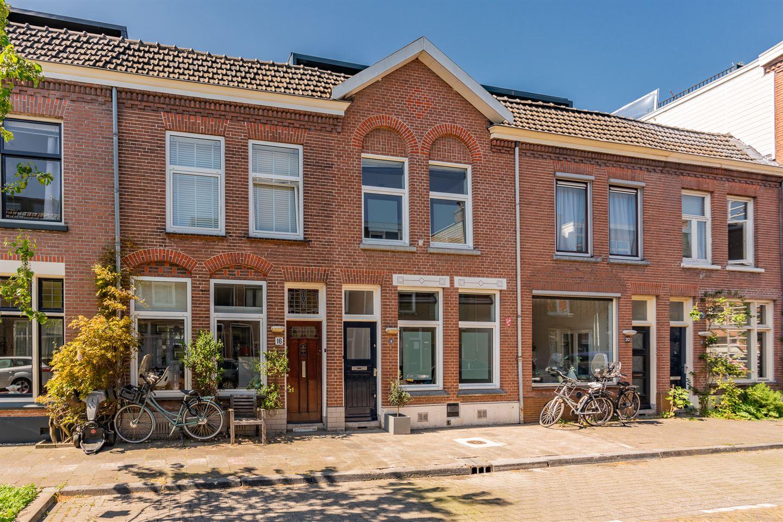 Bekijk foto 1 van Van Limburg Brouwerstraat 18