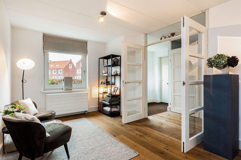 Bekijk foto 2 van Herman Bielingplein 25