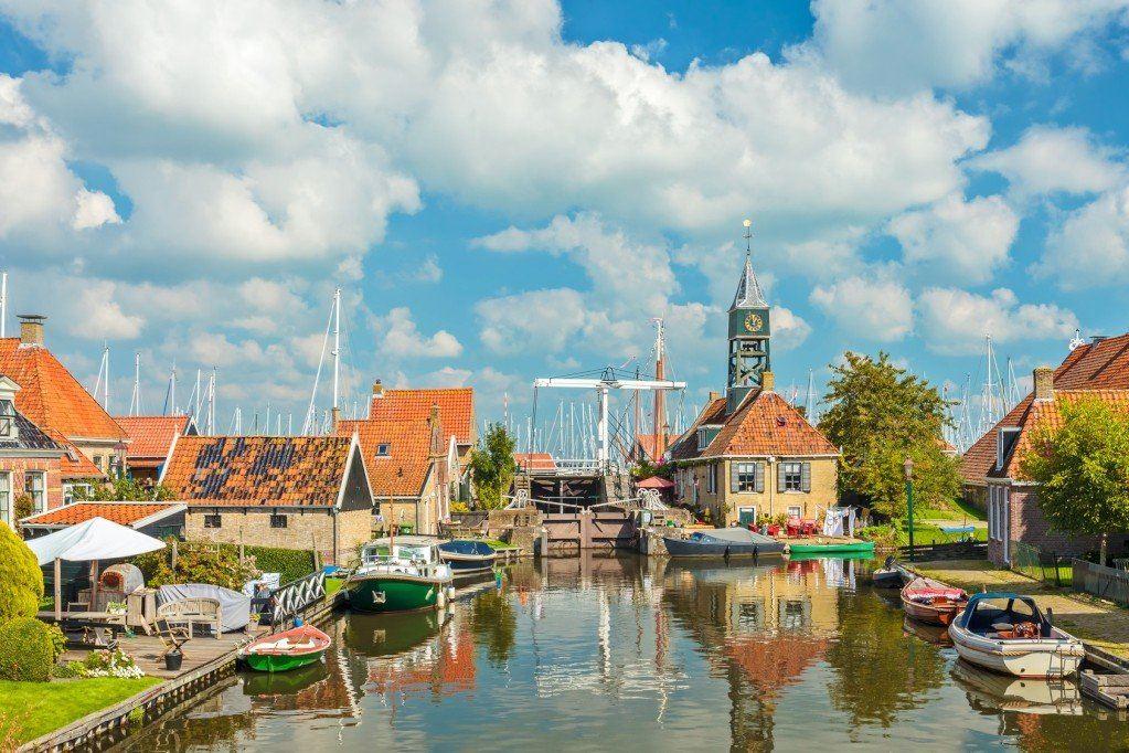 Bekijk foto 1 van Friesland
