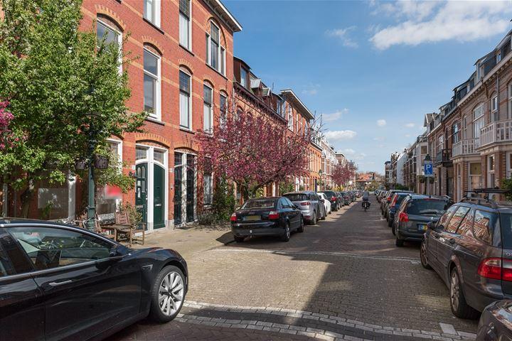 Cornelis Jolstraat 57