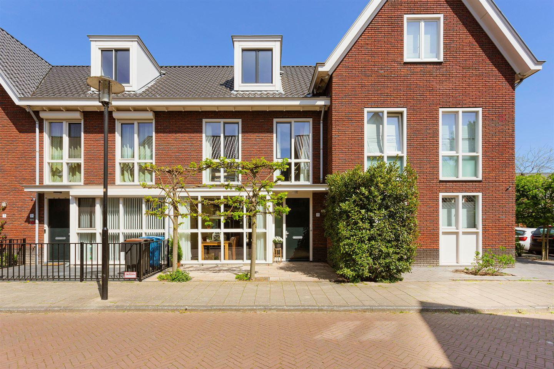 Bekijk foto 1 van Rechtsbuitenstraat 11