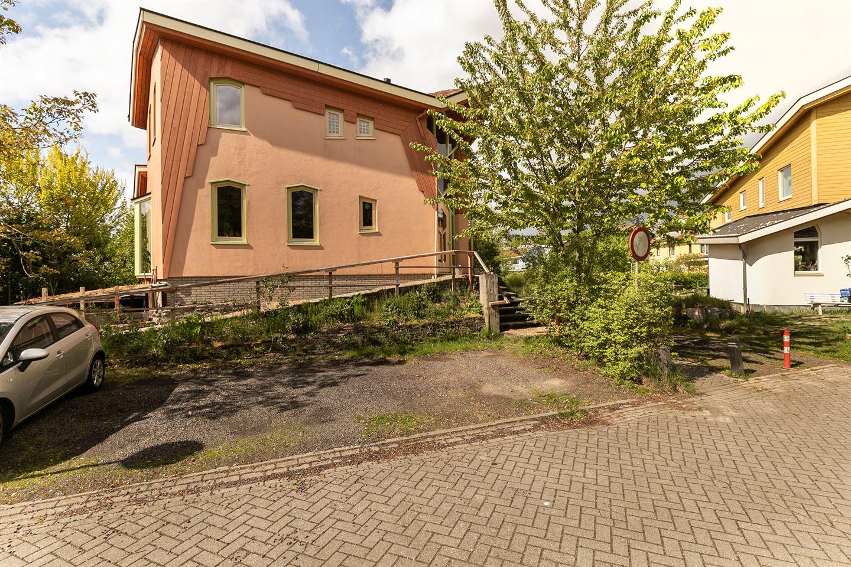 Bekijk foto 2 van Burg. Dickerdacklaan 1