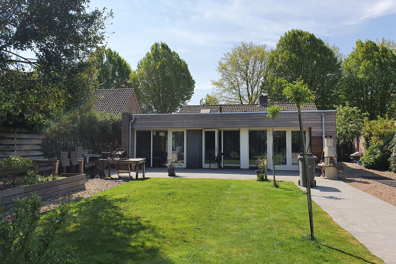 Bekijk foto 1 van Dr. Ruijsstraat 9