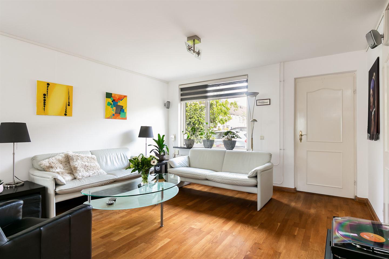 Bekijk foto 2 van Johannes Vermeerstraat 30