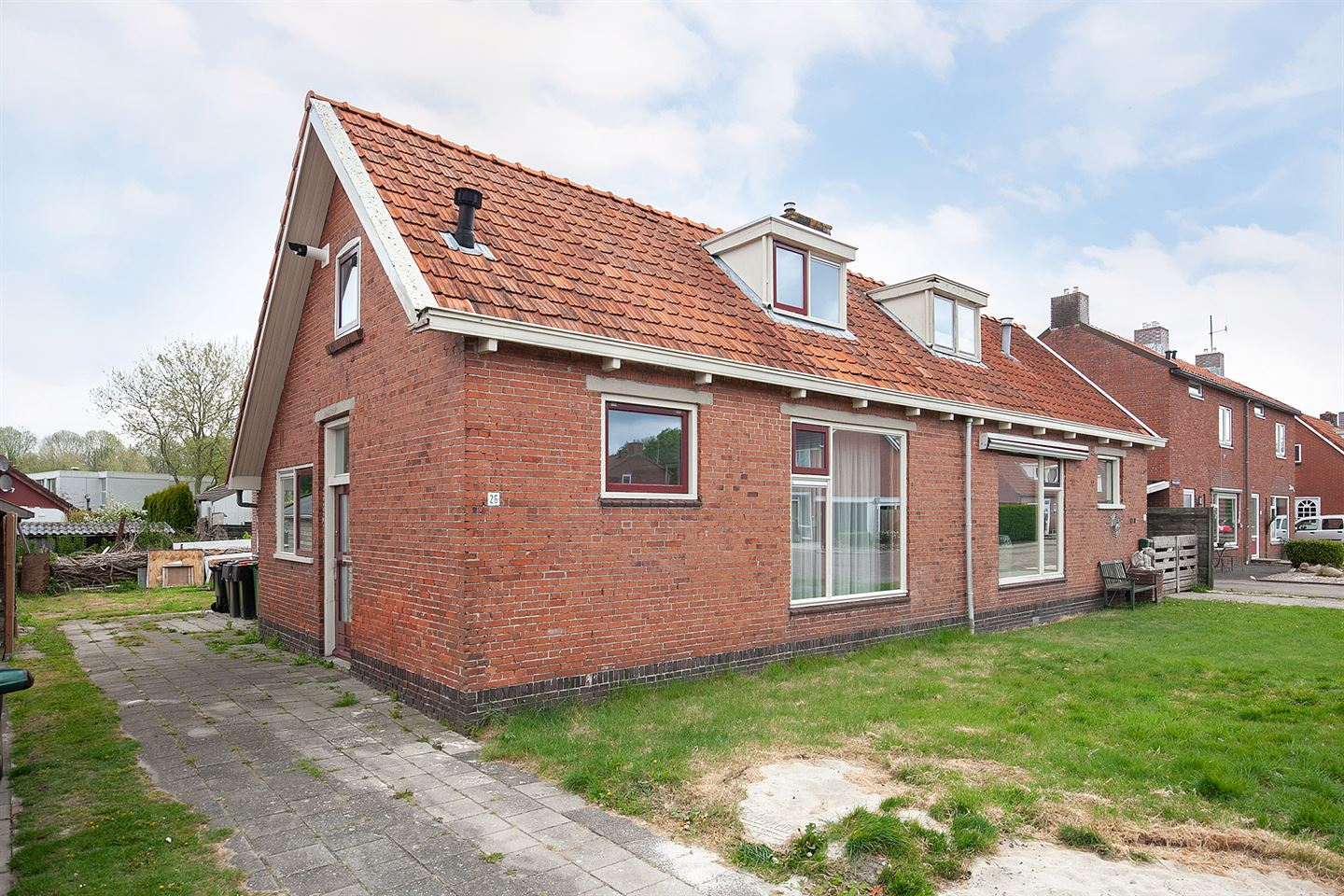 View photo 1 of Parallelweg 26