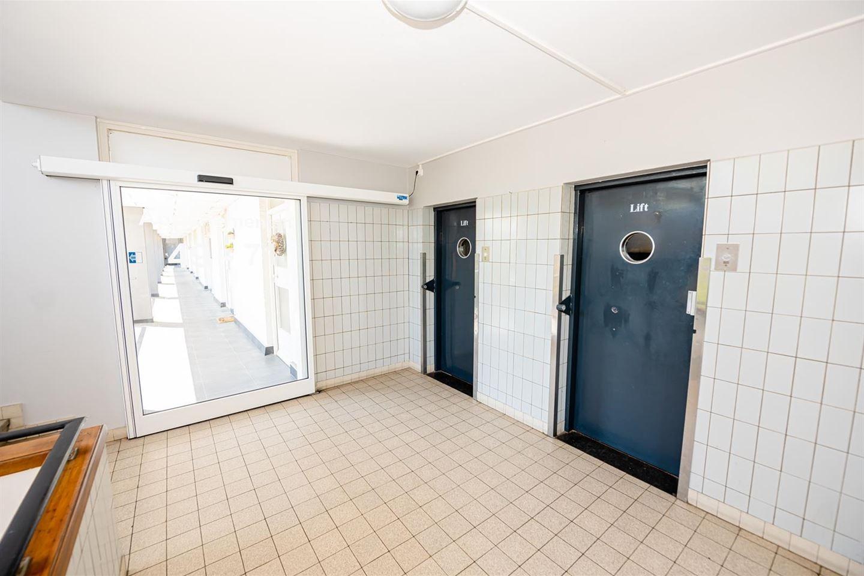 Bekijk foto 3 van Burg. van Grunsvenplein 65