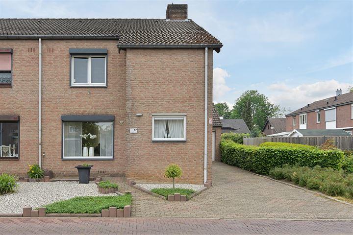 Pater Pelzersstraat 37