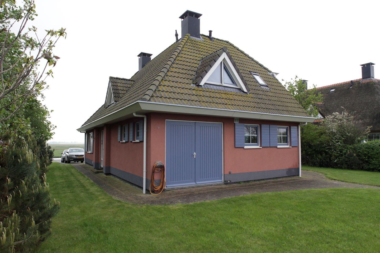 View photo 4 of Middelweg 85