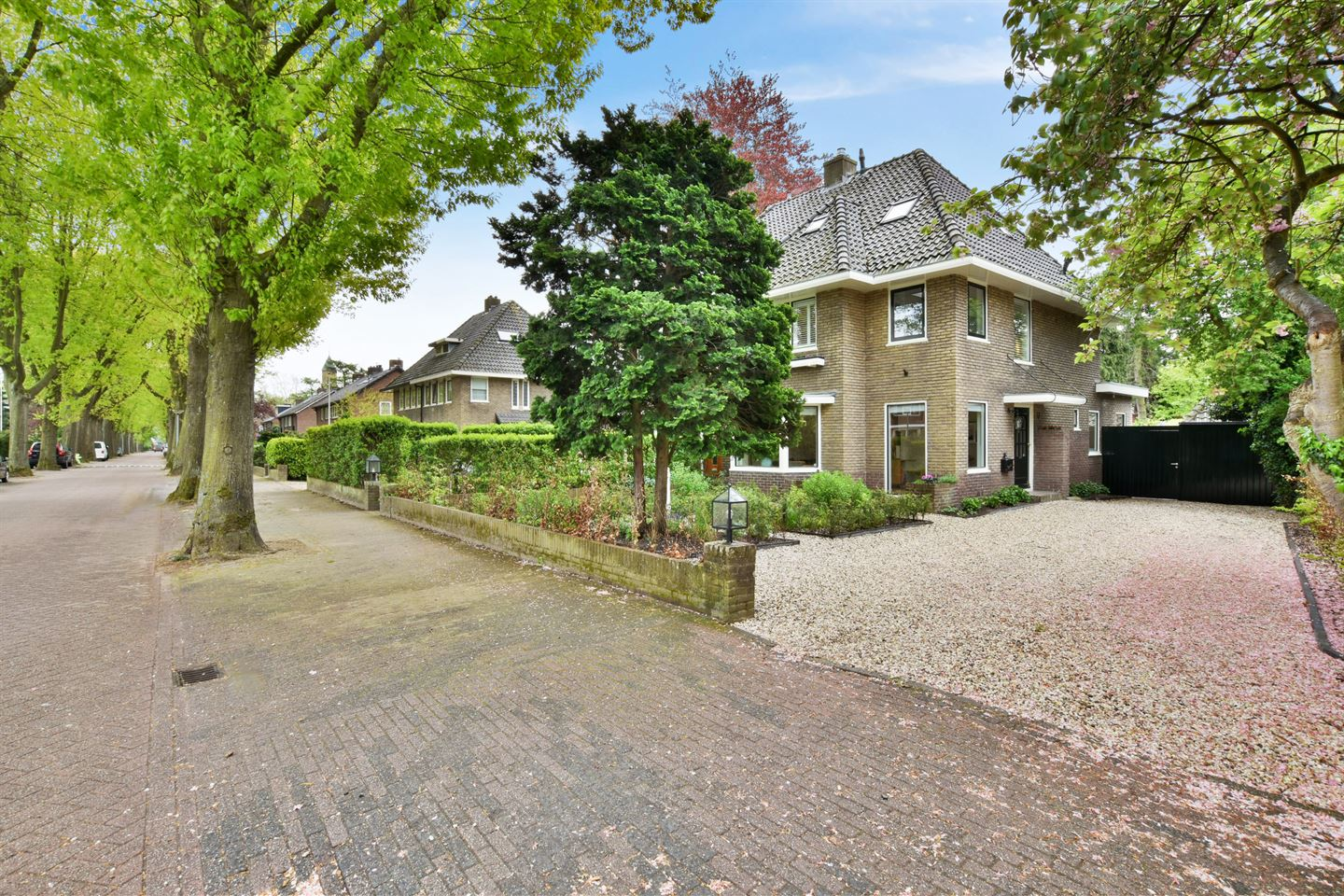 View photo 2 of Brede Englaan 6