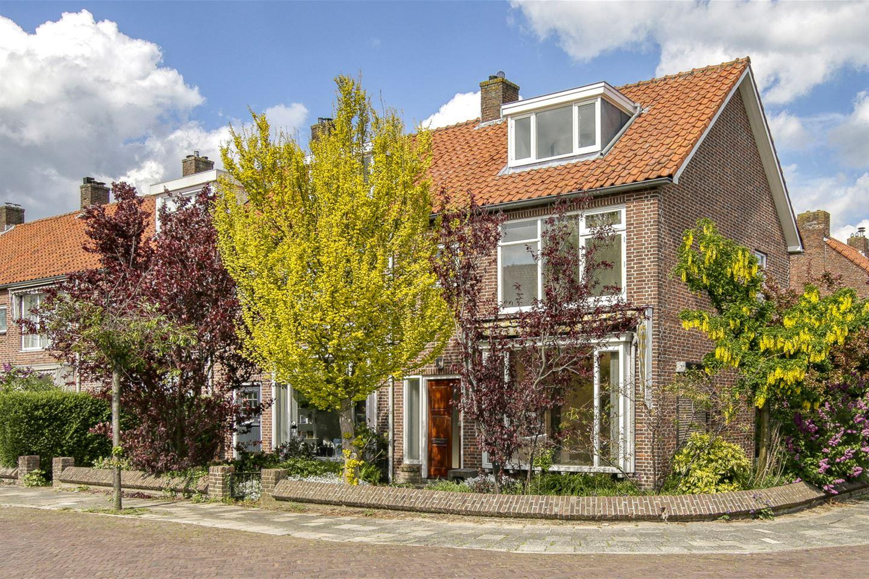 Bekijk foto 1 van Dr. de Bruijnestraat 33