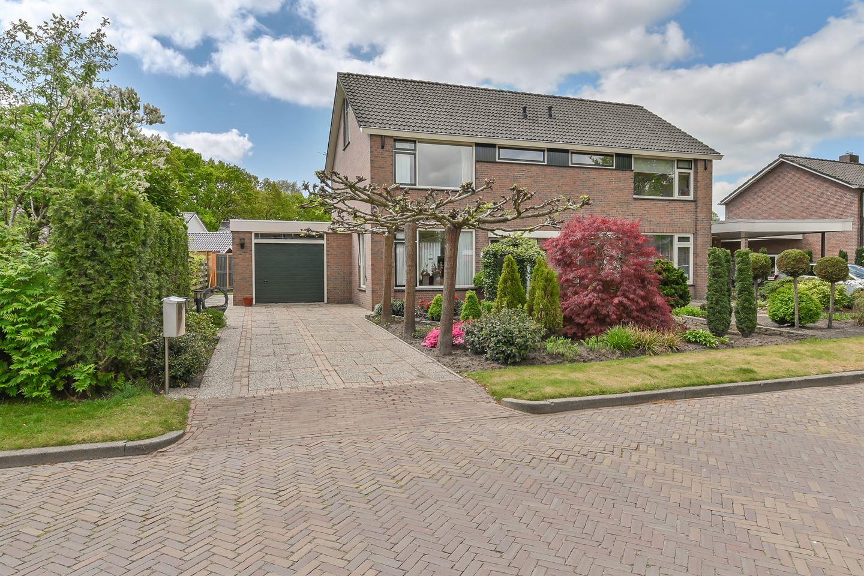 Bekijk foto 1 van Langeveldstraat 1
