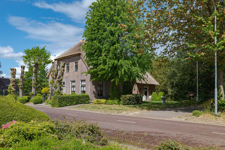Bekijk foto 2 van Dorpsstraat 1