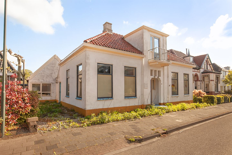 View photo 3 of Mernaweg 6