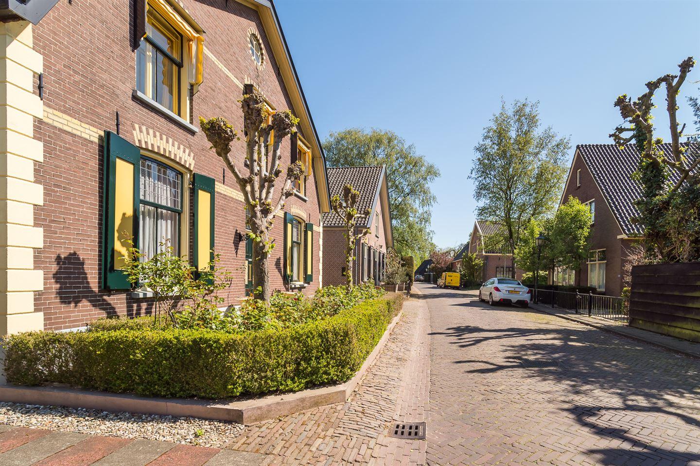 Bekijk foto 3 van Burgemeester van den Boschstraat 43