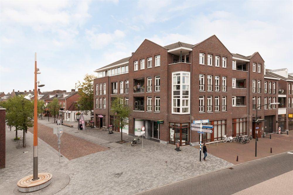 Bekijk foto 1 van Hoofdstraat 63