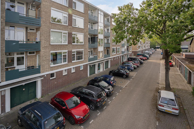 Bekijk foto 2 van Dahliastraat 146