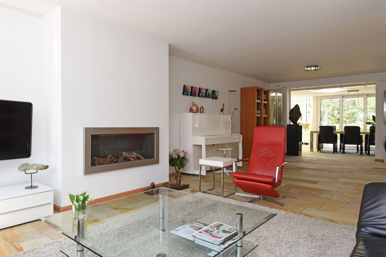 View photo 3 of Veldsingel 57