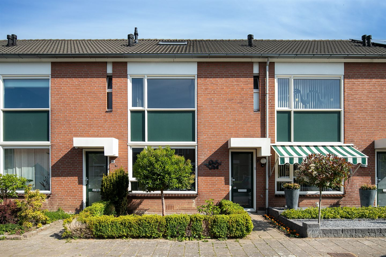 Bekijk foto 1 van Van Ghentstraat 8