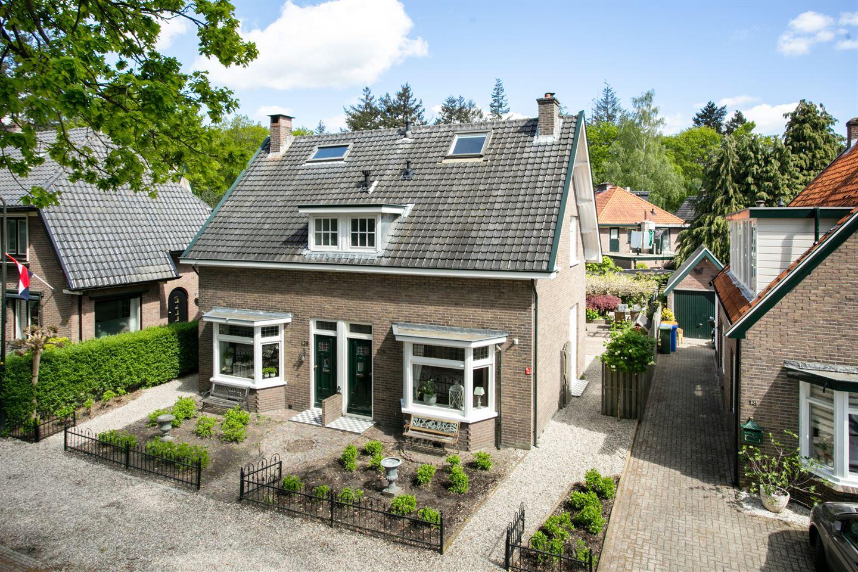 Bekijk foto 2 van Schuttersweg 126