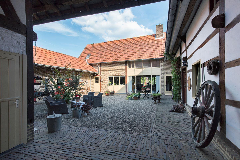 View photo 1 of Geerstraat 19