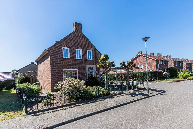 Bekijk foto 2 van St.Martinusweg 23