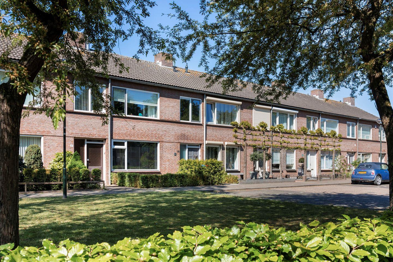 Bekijk foto 2 van Aabeekstraat 39