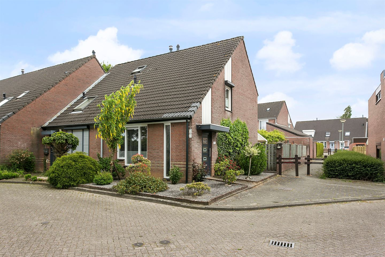 Bekijk foto 2 van Elbereveldstraat 8