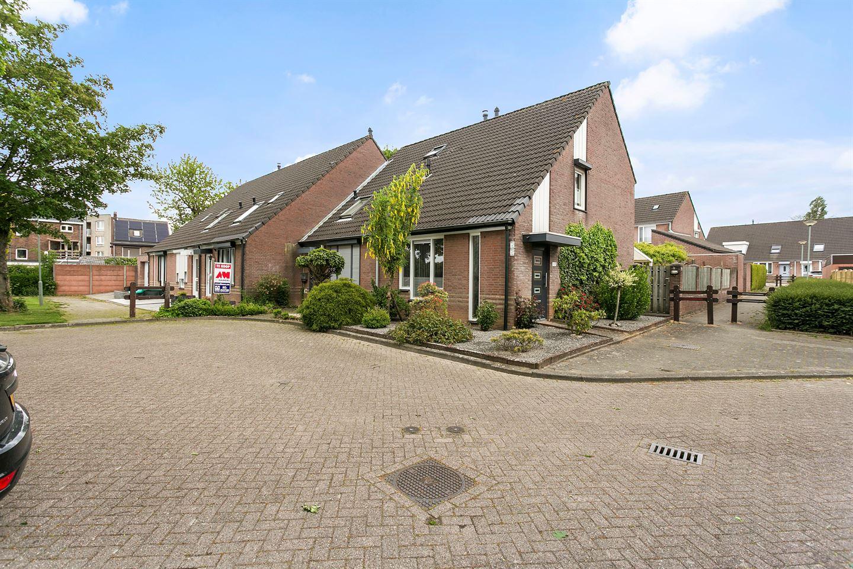 Bekijk foto 3 van Elbereveldstraat 8