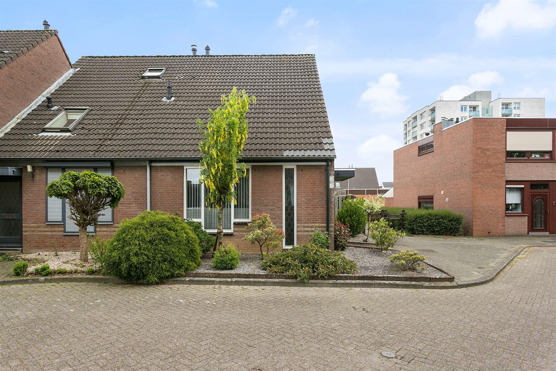 Bekijk foto 4 van Elbereveldstraat 8