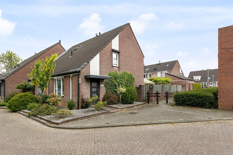 Bekijk foto 1 van Elbereveldstraat 8