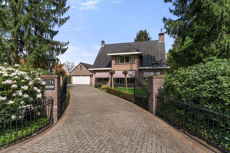 Bekijk foto 1 van Hessenweg 36