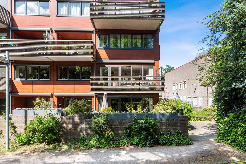 Bekijk foto 1 van Burgemeester van Dijkeplein 6