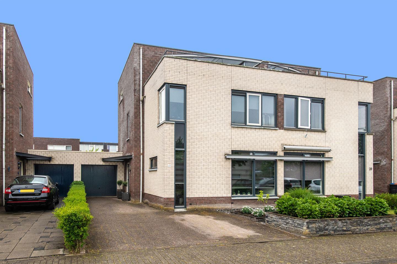 Bekijk foto 1 van Sas van Gentstraat 41