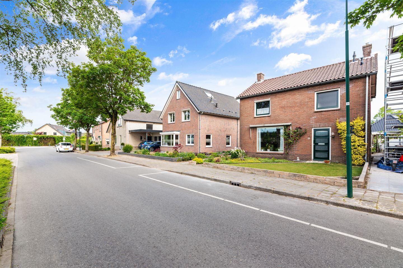Bekijk foto 2 van Willem-Alexanderweg 90