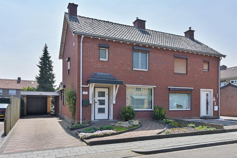 Bekijk foto 1 van De Lerodestraat 6