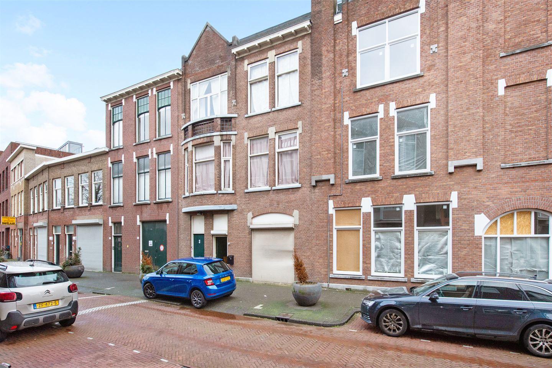 View photo 1 of Zaanstraat 1 - 3
