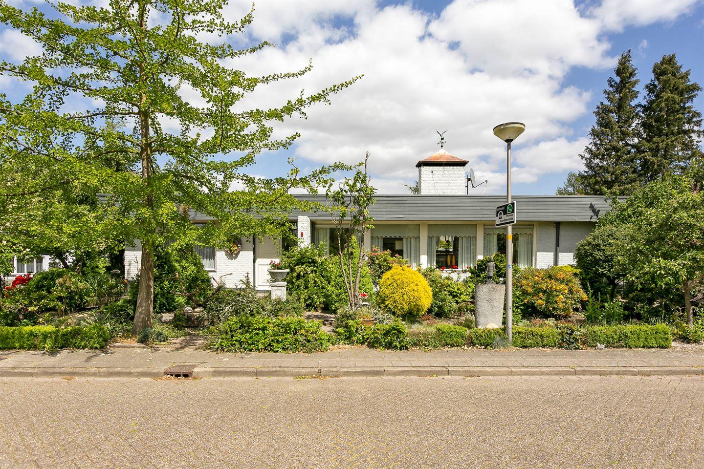 Bekijk foto 4 van van der Helststraat 8