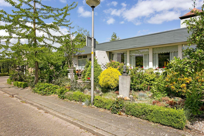 Bekijk foto 5 van van der Helststraat 8