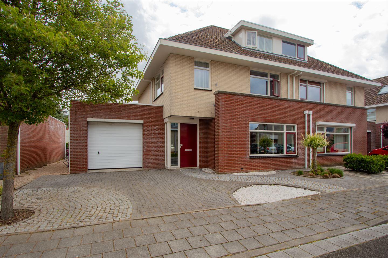 View photo 1 of Geuzenstraat 18