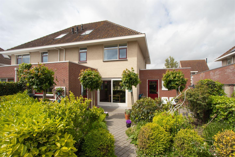 View photo 2 of Geuzenstraat 18