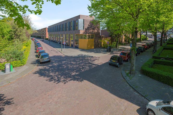 Resedastraat 64