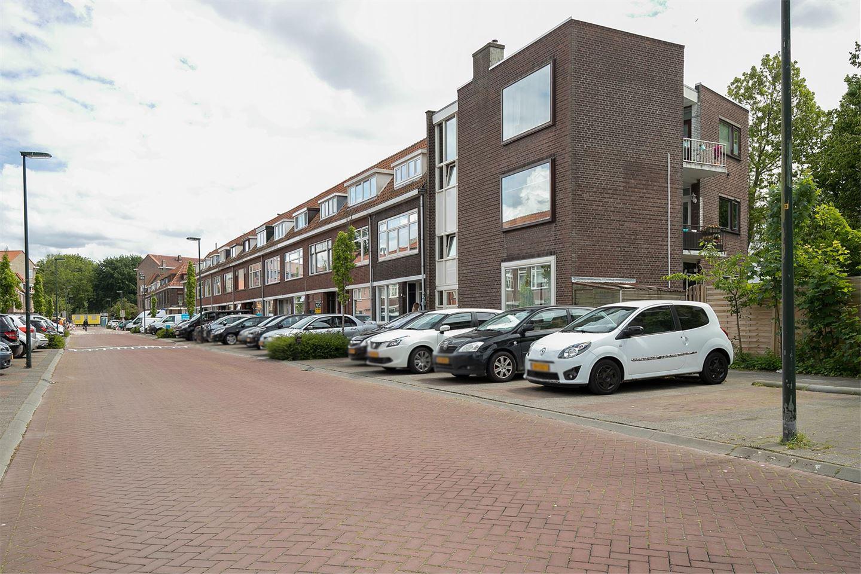 Bekijk foto 2 van Mahlerstraat 81